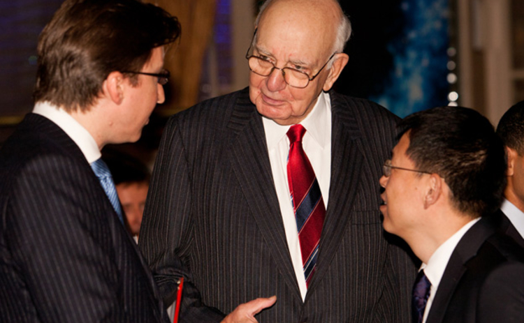 L to R: Christopher Jeffery, Paul Volcker and Bao Mingyou in discussion