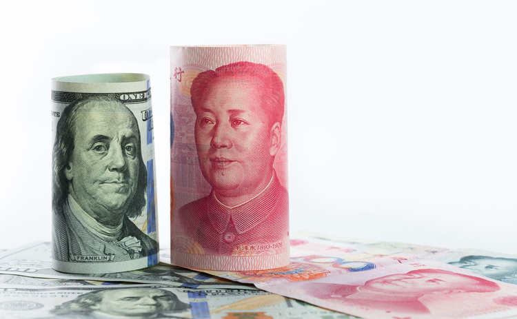 dollar-and-renminbi-rolls