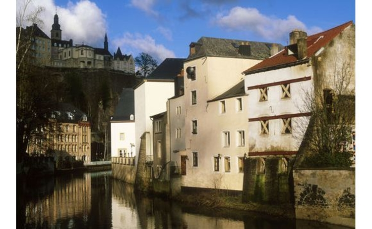 luxembourg-village-old-buildings-by-river-water